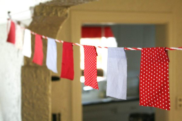 Fabric Christmas garland 7 Christmas Decorating Trends for the Holiday Season