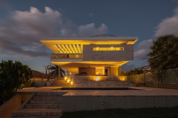 Modern Home in Brazil Exudes Elegance with Stylish Contemporary ...