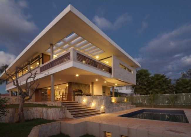 Modern Home in Brazil Exudes Elegance with Stylish Contemporary Interiors