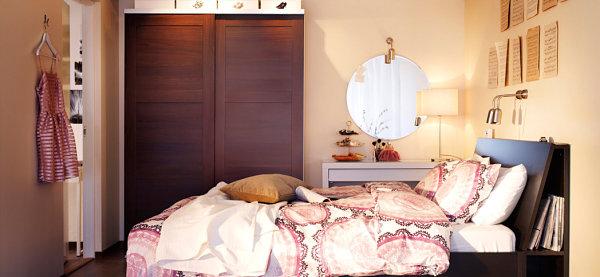 Lace pattern bedding in a Scandinavian bedroom