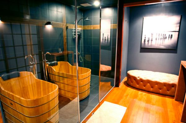 Lovely Japanese bath with bamboo bath and mirrored doors
