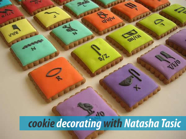 Stylish Egyptian designs on decorated cookies