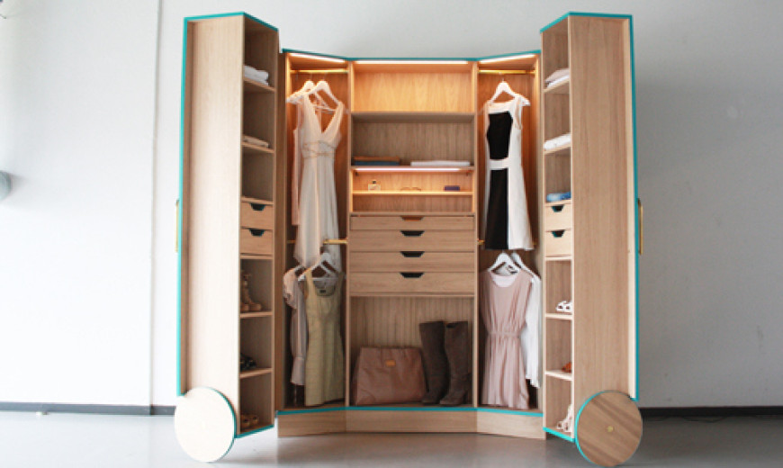 Ergonomic Walk-In Closet Opens Up Into a Stylish Mini Fitting Room