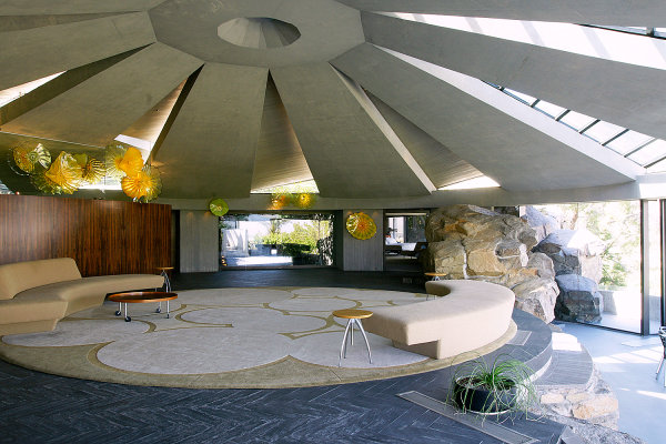 Celebrity Homes Celebrity Homes: Get to know James Bond Homes The Elrod House by Lautner