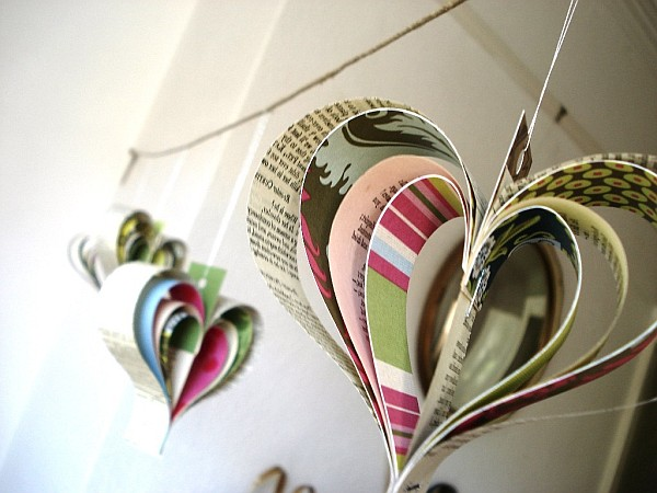 Paper inspired d cor fun ways for you and your kids to for Cool things to make with paper for your room