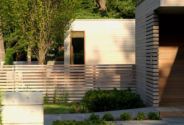 House Backyard Fence : contemporary landscape fencing for a modern home Unoffending Fencing