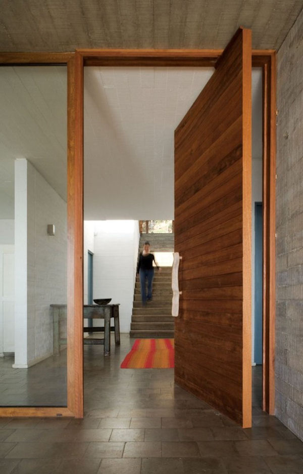el panque concrete and wood interior