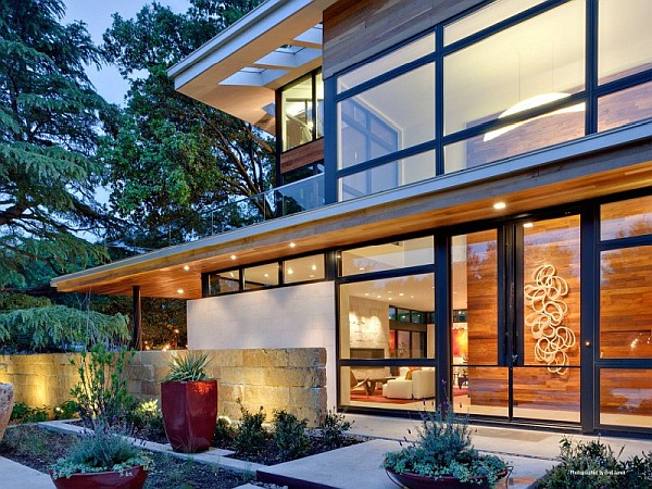 Striking Luxurious Sustainable Home on Caruth Boulevard in Dallas