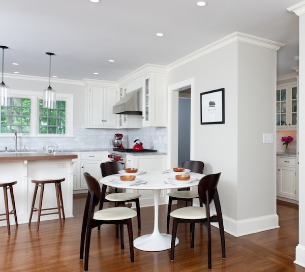 Enhancing your kitchen dining area with a round table for Small apartment kitchen table