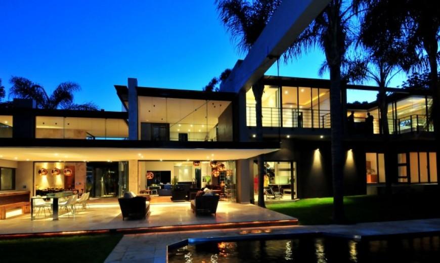 South African Mid-century Villa Renovation by Nico Van Der Meulen