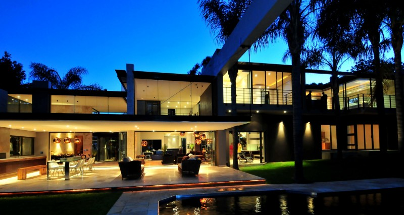 South African Mid Century Villa Renovation By Nico Van Der