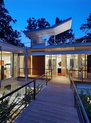 suspended home design