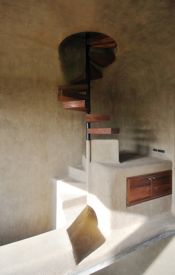 traditional-spiral-staircase