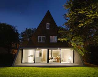 Classic Amsterdam SH House Gets a Contemporary Makeover in Glass