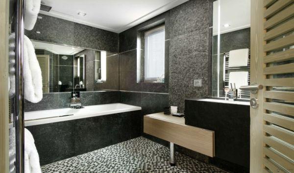 Bathroom-with-large-stone-bathtub