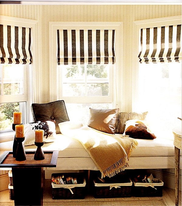 Bay window seating with storage