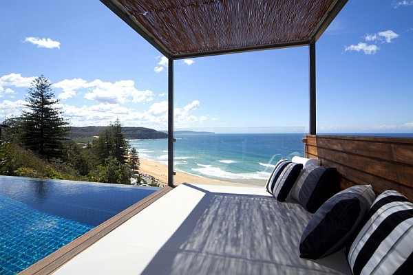 Beach House In Sydney Transforms To Mimic A Stylish Luxury