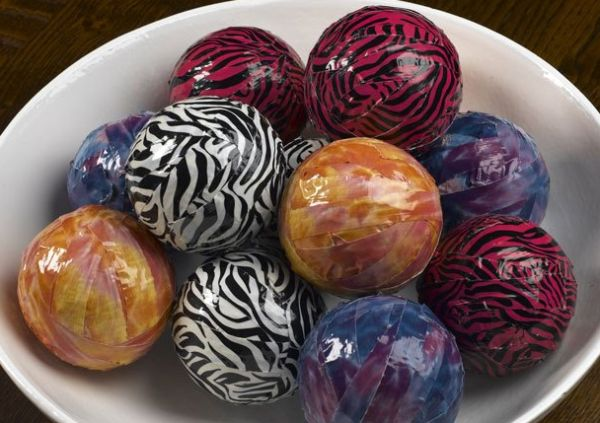 Beautiful decorative spheres crafted using duct tape perfect for this Christmas