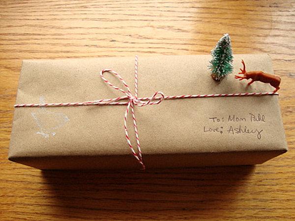 Christmas scene gift wrap