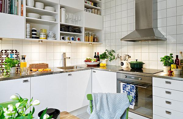 Colorful Scandinavian kitchen