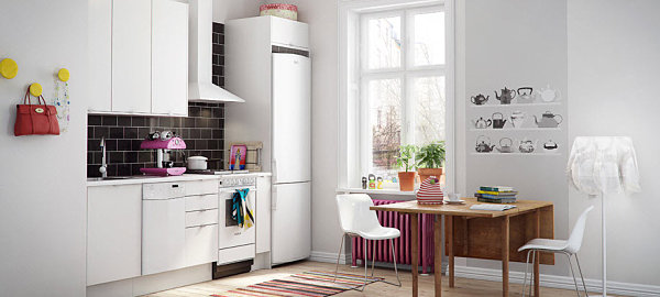 Colorful stripes in a Scandinavian kitchen