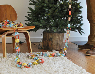 DIY Rustic Christmas Tree Stand Brings an Eco-friendly Holiday Cheer to Your Home