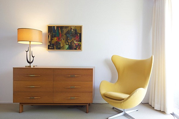 Egg Chair in a contemporary space