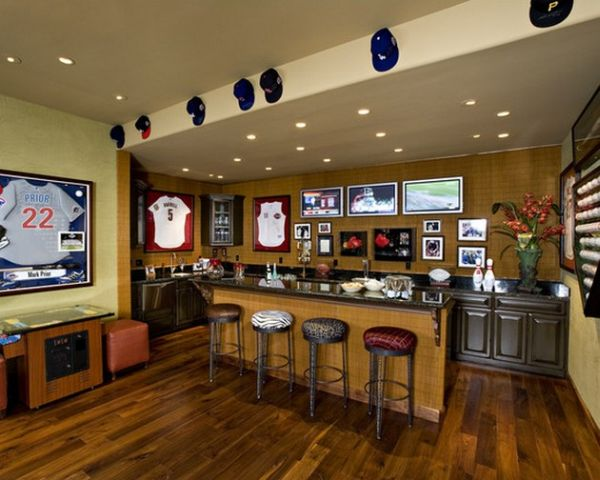 home bar for those who love their sports and drinks decoist