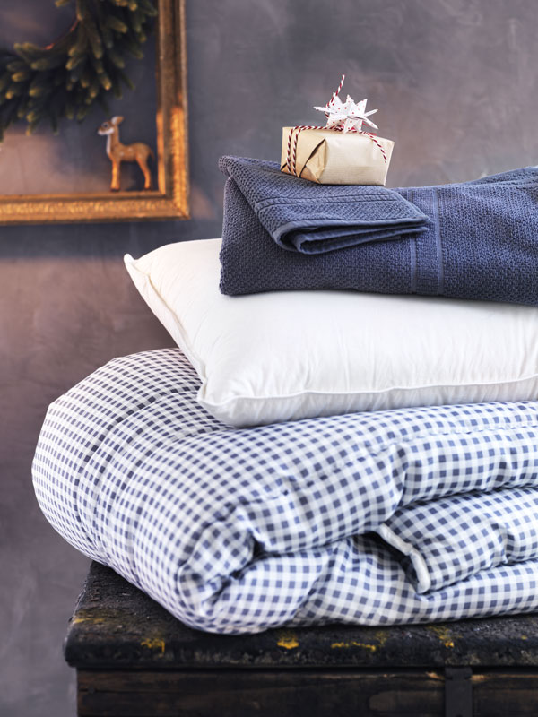 IKEA-Christmas-collection-linens