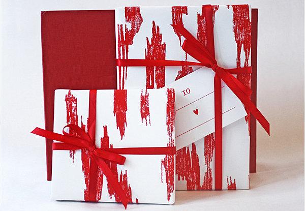 这个拇指礼品蝴蝶结使用薄木片制作,这样的礼品包装可能会强尽礼品的