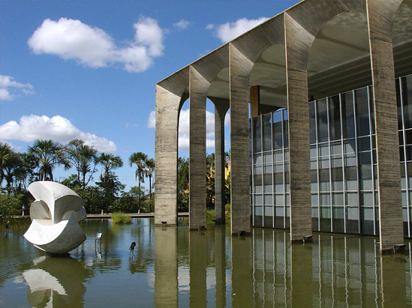 Itamaraty Palace by Oscar Niemeyer