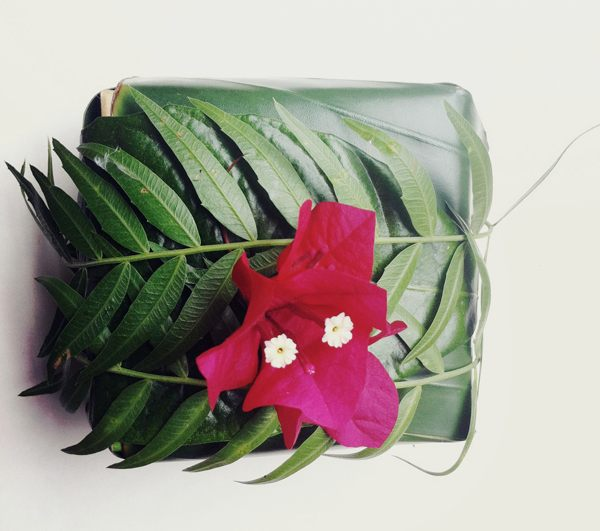 Leaf and flower gift wrap idea