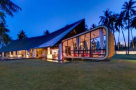 Villa Sapi: Lavish Contemporary Getaway in Indonesia Entices With Its Scenic Splendor