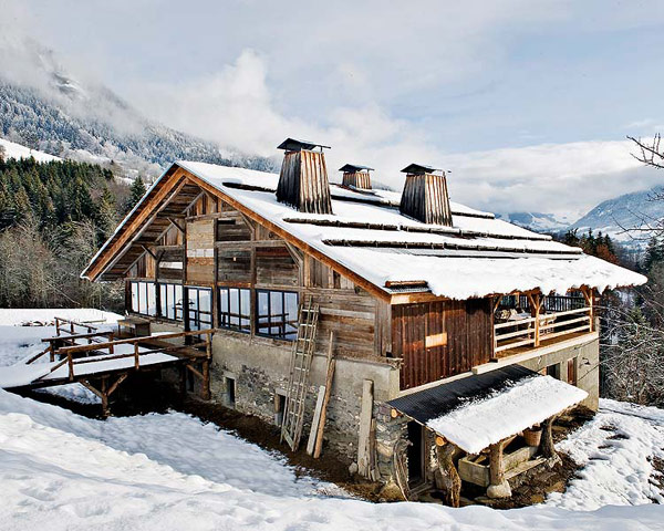 vintage french alps chalet for your snow filled holidays. Black Bedroom Furniture Sets. Home Design Ideas