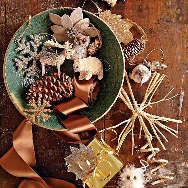 Natural wooden Christmas decor