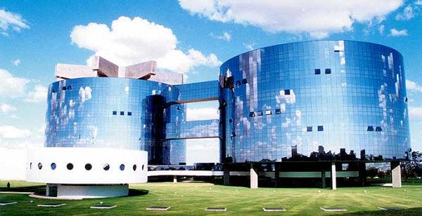 Oscar-Niemeyer-modern-architecture