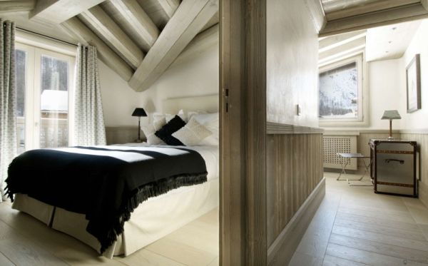 Plush-and-cozy-bedrooms-at-the-Black-Pearl