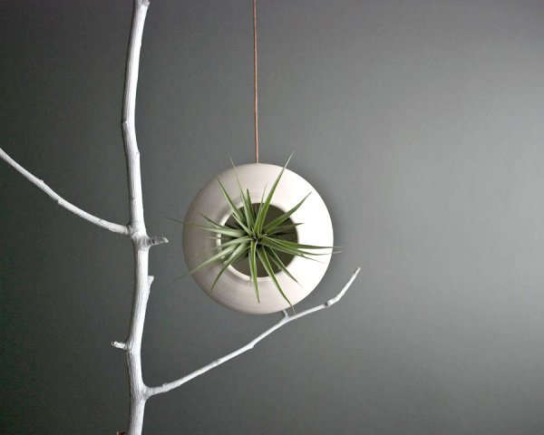 Round hanging air planter 20 Christmas Gift Ideas for Design Lovers