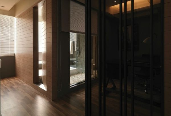 Shower-room-set-in-wood-and-glass