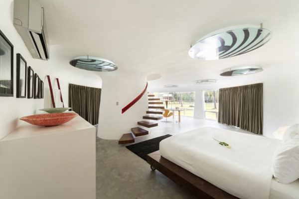 Stylish contemporary interiors in white
