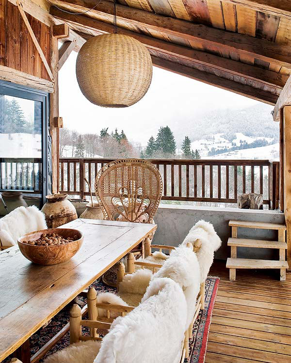 Terrace sapce that offers some majestic views of the Alps