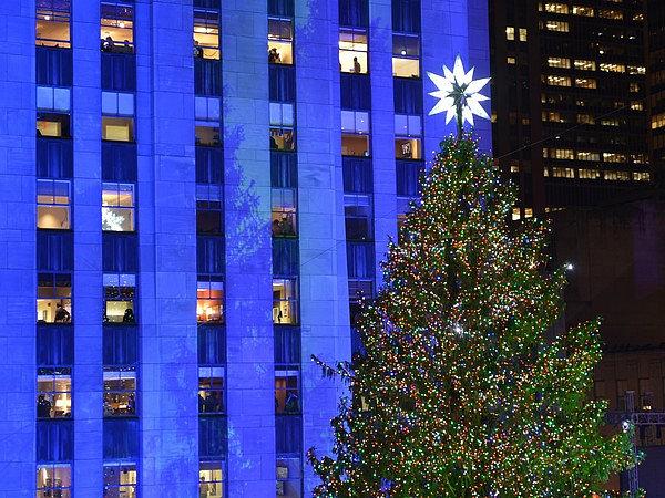 The-Rockefeller-Center-Christmas-Tree-in-New-York-City