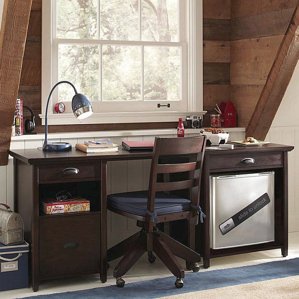 View In Gallery Traditional Study Room Design With Desk Lamp