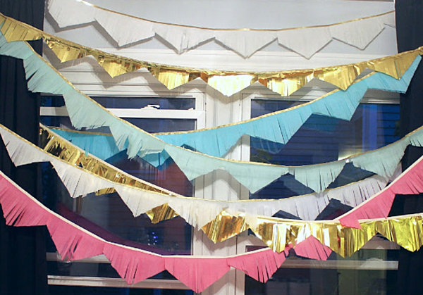 Triangle garland