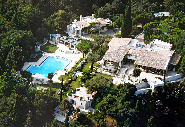 Celebrity Homes Celebrity Homes: Get to know James Bond Homes Villa Sylva in Corfu