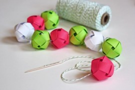Woven Christmas paper ball garland