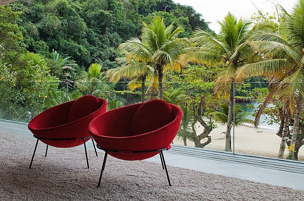 comy chairs for a patio