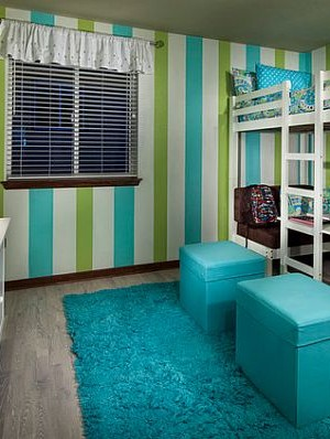 Cool loft bed set-up with dinette below