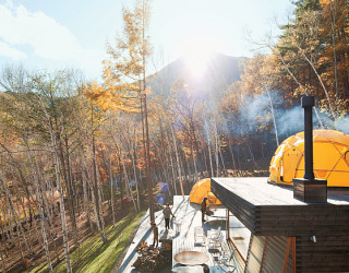 Sustainable Weekend Retreat Shines Through With Its Innovative Design