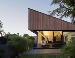 Modern Family Home Surrounded by Nature in Mount Eden, New Zealand